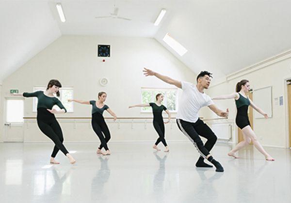 Английский + танцы: самые интересные летние языковые программы с хореографией. Фото - 7
