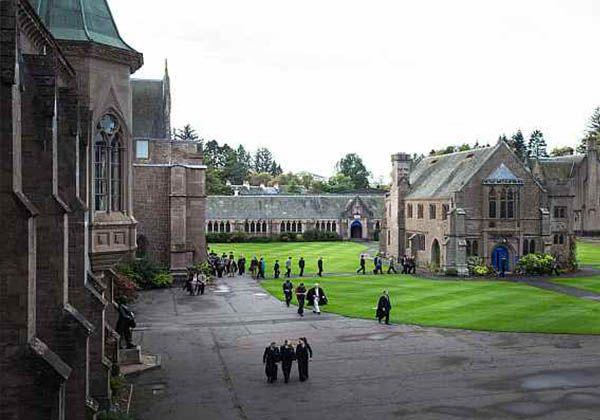 Образование в стране килтов и волынок: средняя школа в Шотландии. Фото - 4