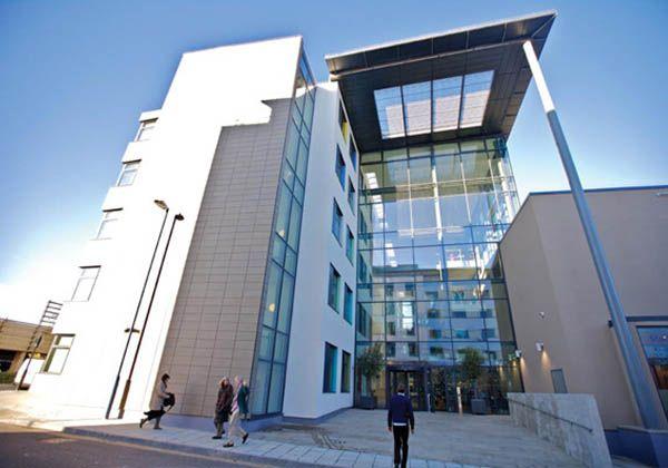 Bellerbys College – билет в престижный британский вуз. Фото - 6