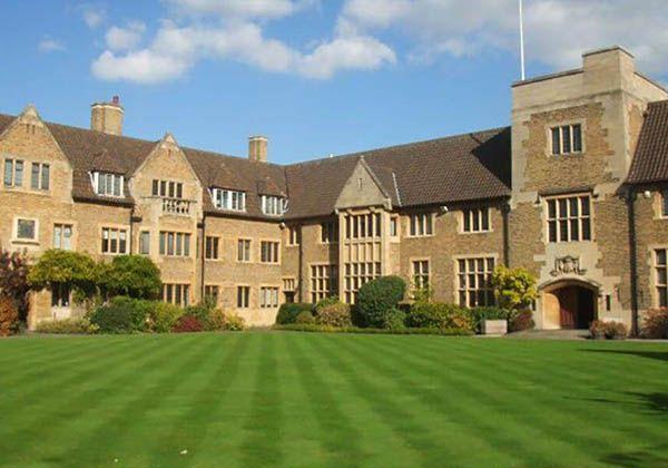 Bellerbys College – билет в престижный британский вуз. Фото - 8