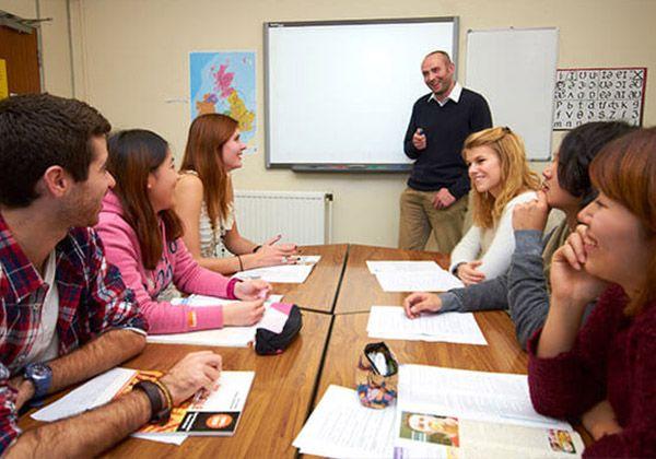 St Giles – языковые школы, где живут английским. Фото - 4