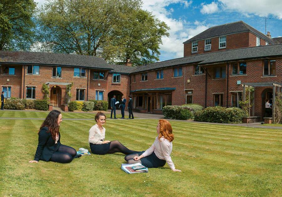 Wycliffe College – идеальные условия для развития и обучения ребенка в Англии. Фото - 3