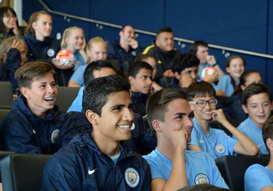 Учеба в английской школе British Study Centres: изучаем английский на футбольном поле. Фото - 4