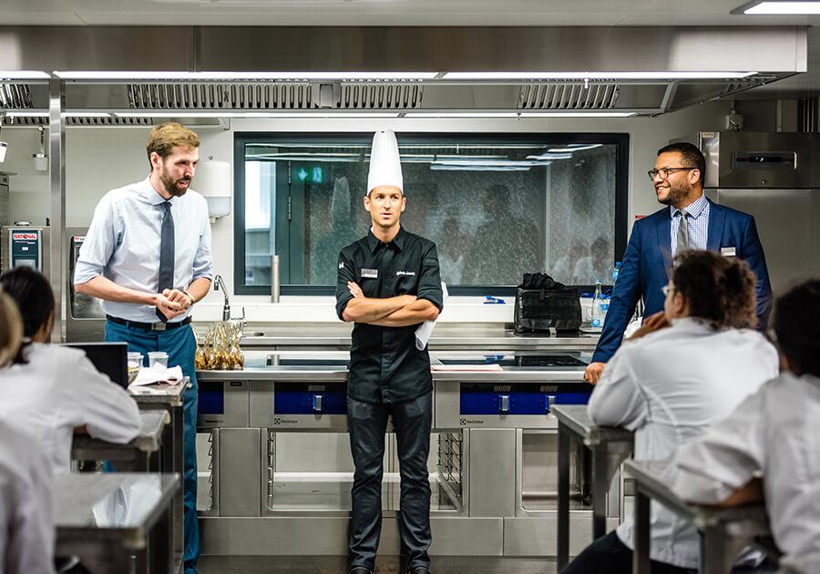 Где готовят лучших кулинаров в мире. Фото - 5
