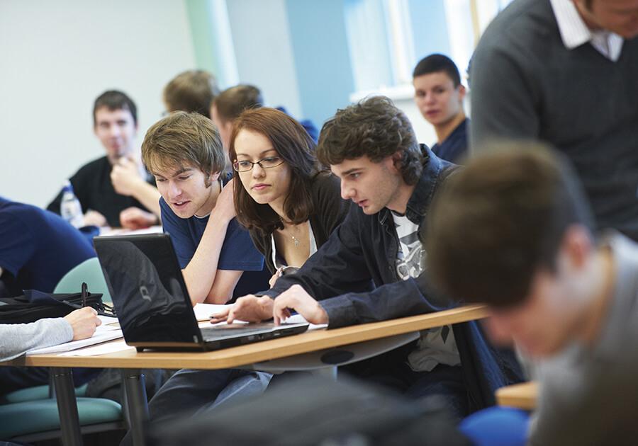 Як отримати стипендію або знижку на навчання за кордоном. Фото - 5