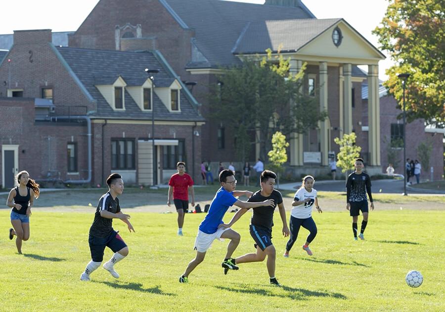 Переваги закордонного табору на базі школи-пансіону і університету. Фото - 6