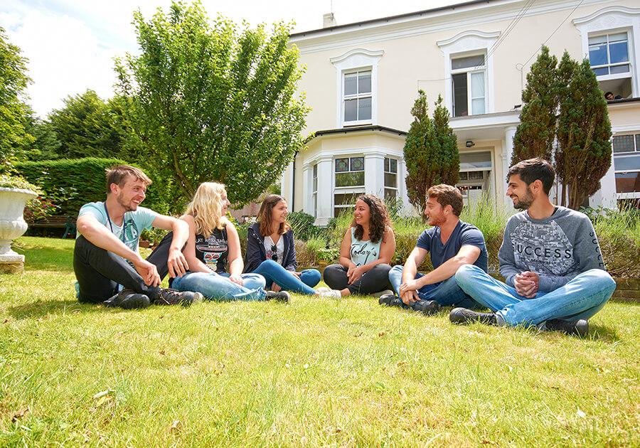 Який рівень англійської необхідний для навчання за кордоном. Фото - 4