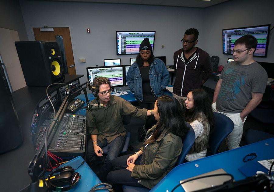 Hofstra University: удачный старт в мире киноиндустрии и медиа. Фото - 5