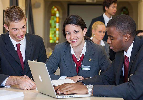 Swiss Education Group: международные работодатели выше ценят студентов, проходивших стажировки. Фото - 4