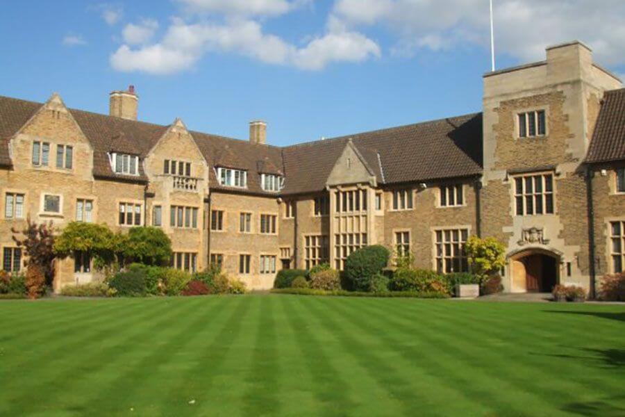Во второй половине сентября колледж Bellerbys в Оксфорде отпразднует новоселье!. Фото - 3