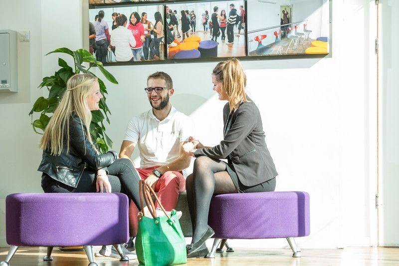 Спеціальні пропозиції з мовних курсів для дорослих від Oxford International. Фото - 10