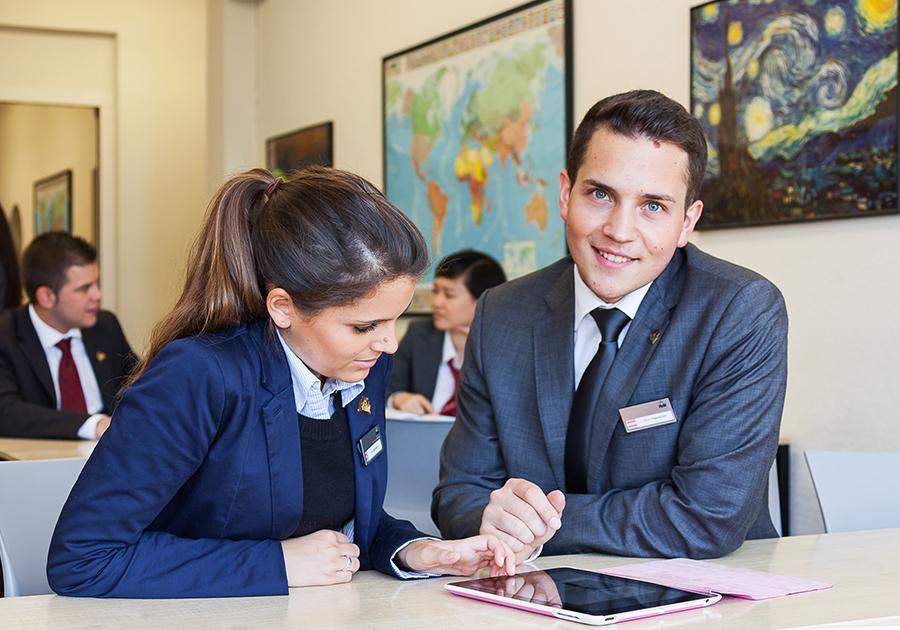 Сегодня, 2 ноября, стартовал курс для старшеклассников «От идеи до проекта: тренинг по предпринимательству». Фото - 3