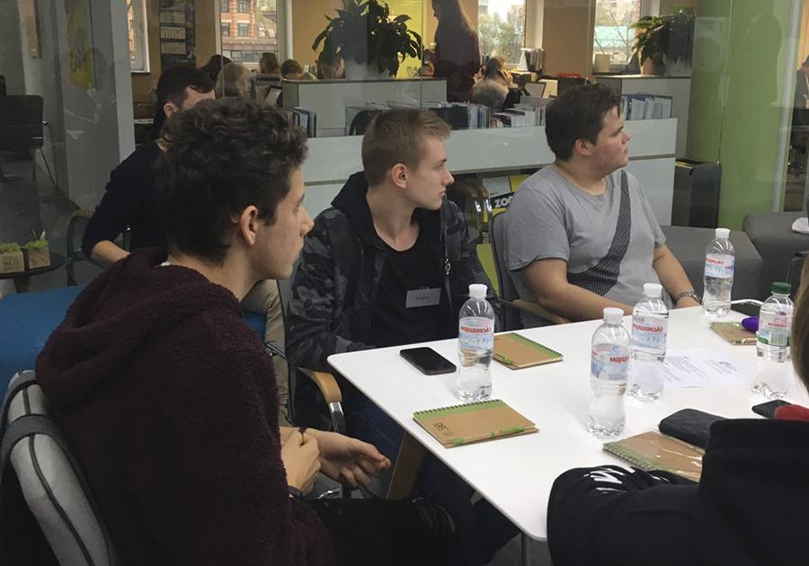 Сегодня, 2 ноября, стартовал курс для старшеклассников «От идеи до проекта: тренинг по предпринимательству». Фото - 8