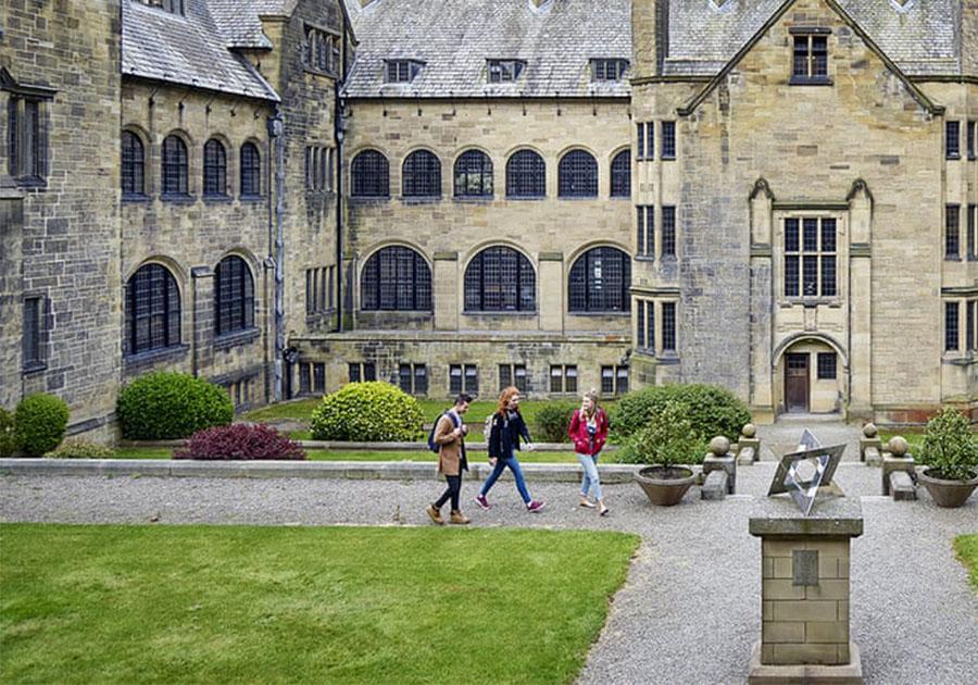 Конкурс на 100% стипендию на программы University Pathways в Oxford International. Фото - 4