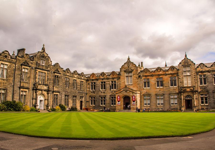 University of St Andrews, партнер DEC, обігнав Oxford в рейтингу кращих британських вишів!. Фото - 3
