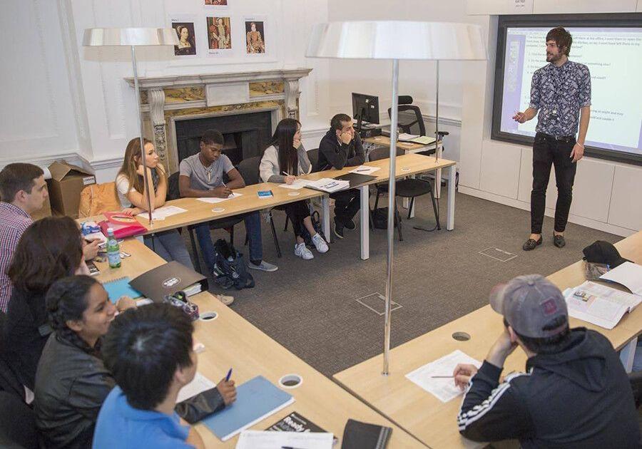 Отримайте стипендію на навчання в престижній британській середній школі!. Фото - 7