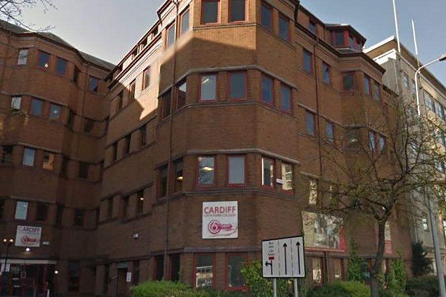Cardiff Sixth Form College. Фото - 7