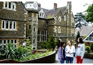 Языковые курсы - страна: Великобритания            . Фото - 11