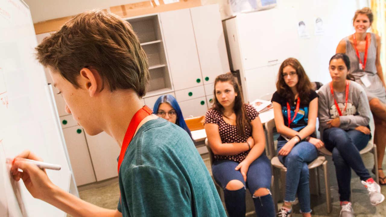Изучение языка за рубежом, Языковые курсы для детей в Alpadia Language Schools Freiburg: Германия. Фото - 8