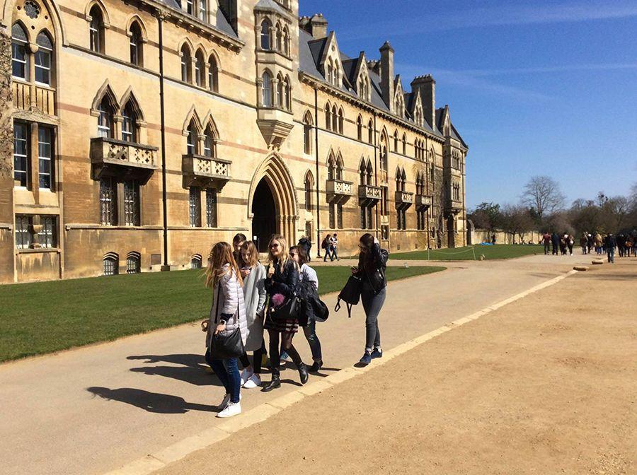 Oxford International - Royal Holloway University. Фото - 30