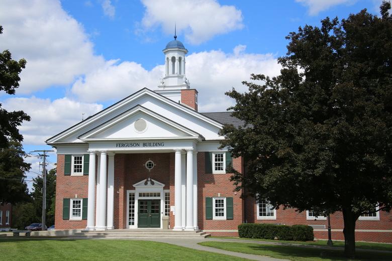 Среднее образование в Lawrence Academy: США. Фото - 8