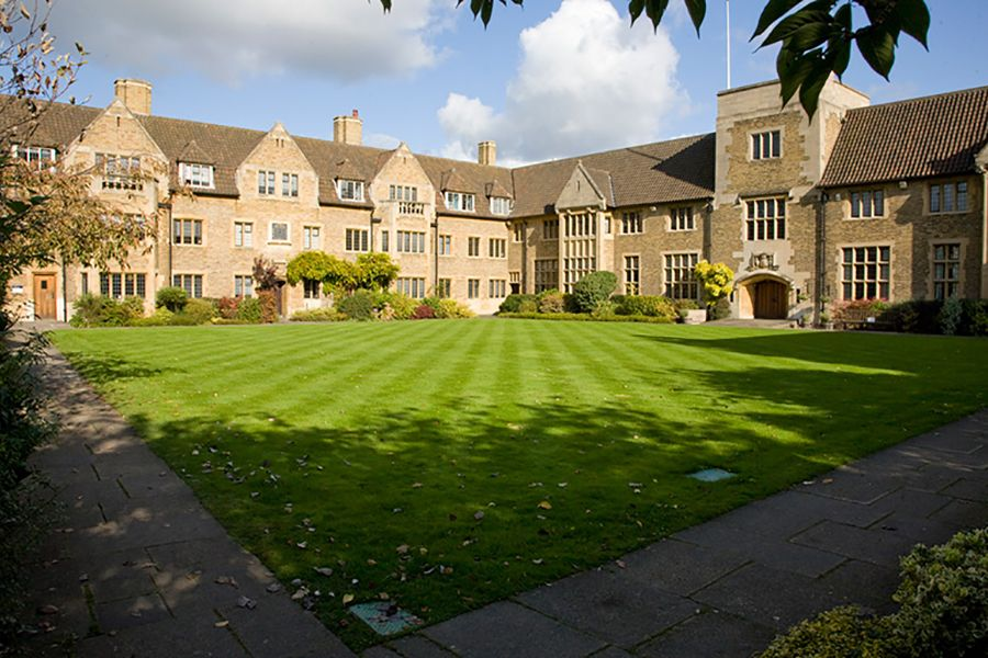 Bellerbys College. Фото - 10